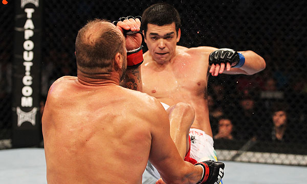 Lyoto Machida's KO kick on Randy Couture