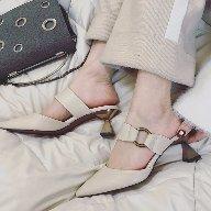 小小白潮鞋香港代購