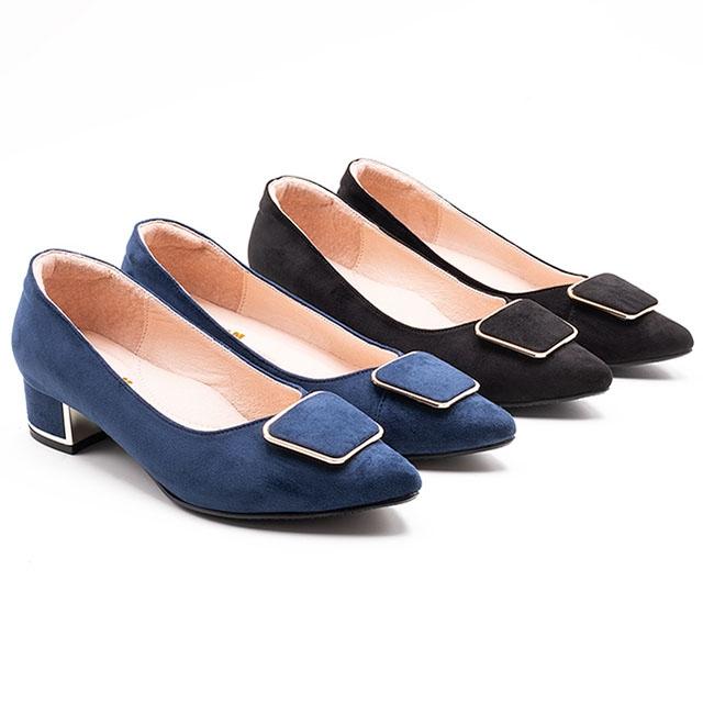 W&M 質感絨布 尖頭中粗跟鞋 女鞋-藍(另有黑)