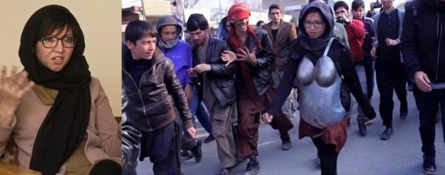 شاهد..أفغانية تتلقى تهديدات بعد ارتدائها درعا حديدية في الشارع