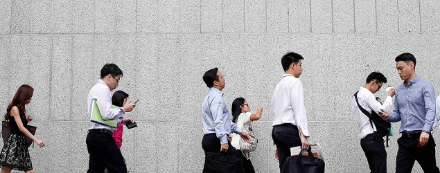 Office workers (Reuters photo)