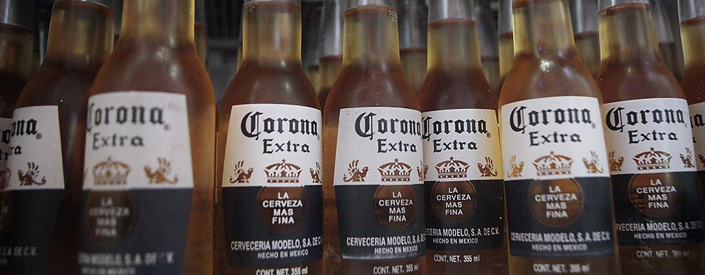 How the makers of Corona sell so much bad beer (Corbis)