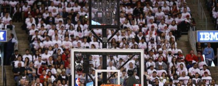 NBA goes low-tech, goofy when shot clocks fail (Getty Images)
