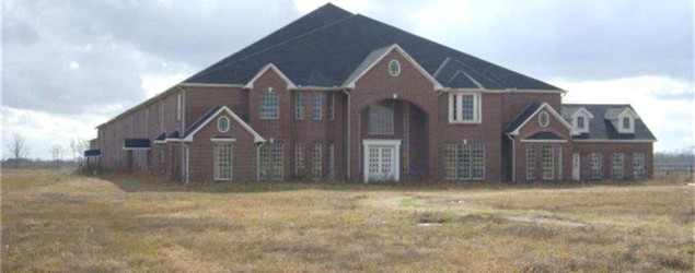 An unfinished 46-bedroom mansion in Texas is selling for only $3.5 million. (Yahoo Homes)