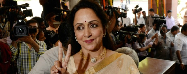 Hema Malini receives head injuries in car accident; rushed to hospital