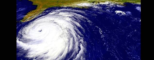 熱帶風暴蓮花減弱掛波存變數