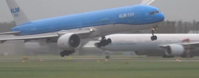 Flugzeuglandung in Amsterdam, Bild: Screenshot
