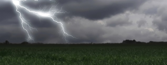 Myths and facts about lightning (Thinkstock)