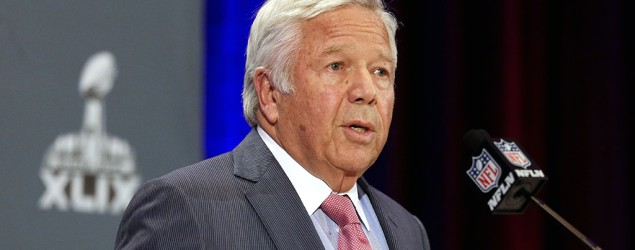 Kraft rips NFL, apologizes to fans for actions. (AP)