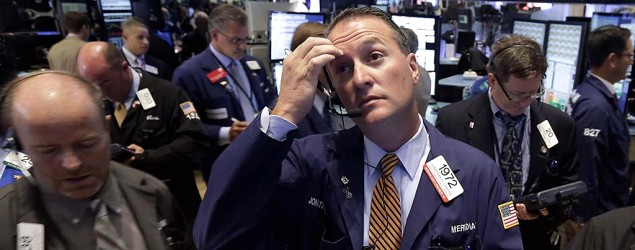 Stock market plunges more than 300 points. (AP)