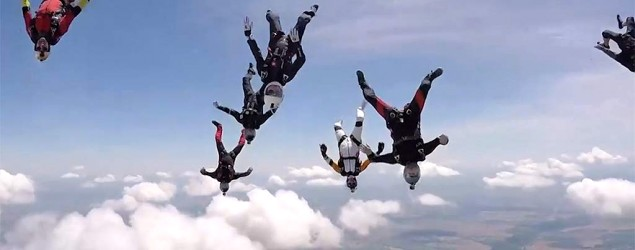 People skydiving (Caters TV)