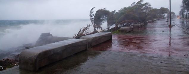 Tropical Storm Erika comes ashore in Santo Domingo, Dominican Republic. (Tatiana Fernández/AP)