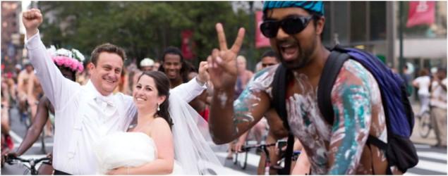 3,000 naked bike riders photo-bomb wedding shoot