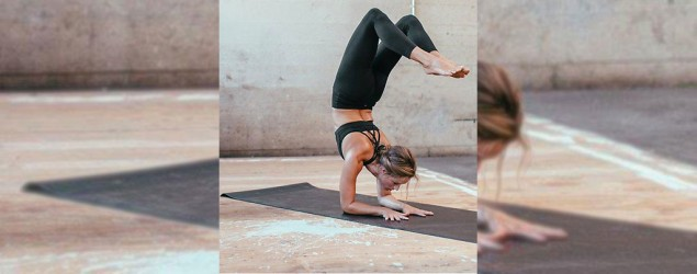 "A yogi practicing in Lululemon's ""naked"" yoga pants. (Getty Images)"