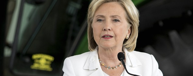 Clinton seeks second wind amid email scandal