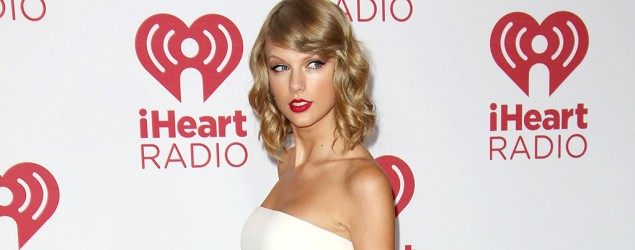 Taylor Swift on the red carpet at the iHeartRadio Festival (Matt Baron/BEImages)
