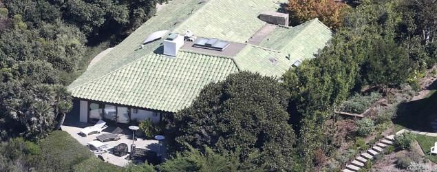Angelina Jolie movies kids into secluded, $8M estate (Splash News)