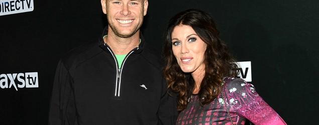 Josh Brown y su esposa /AP