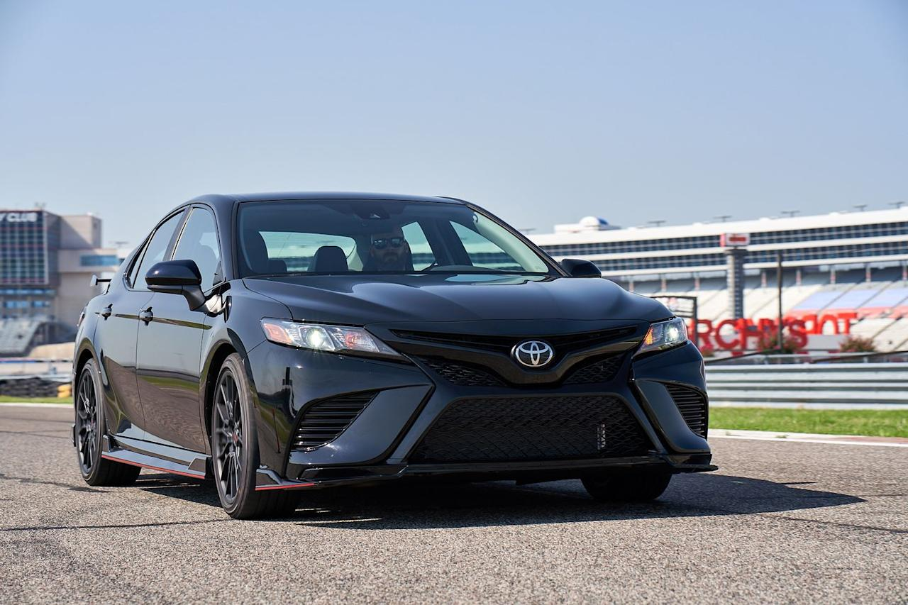 <p>The Camry TRD's unique 19-inch wheels are 3.1 pounds lighter and 0.5 inch wider than the XSE model's 19s.</p>