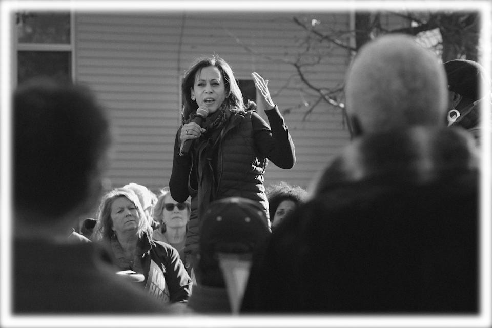 Sen. Kamala Harris, D-Calif., makes a campaign stop in Des Moines, Iowa. (Photo: Scott Olson/Getty Images; digitally enhanced by Yahoo News)