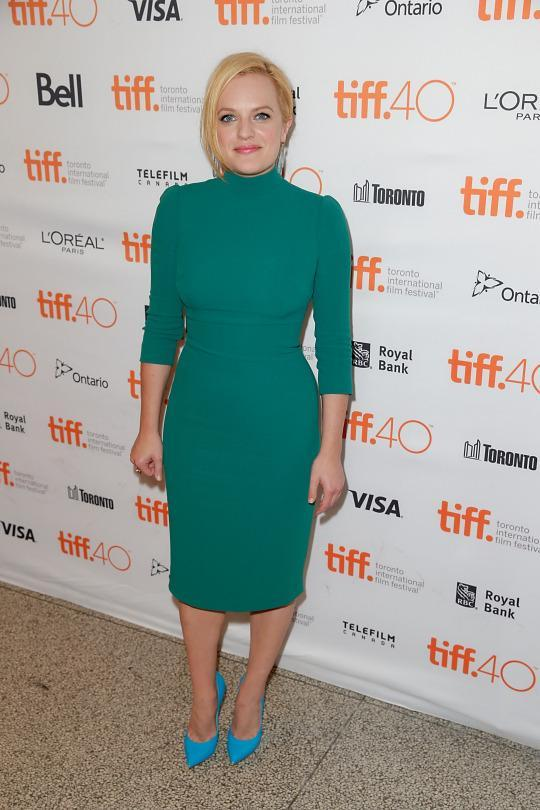 "<p>Elisabeth Moss proved to be a color master at the ""Truth"" premiere wearing a green turtleneck dress with a pair of blue heels.</p>"