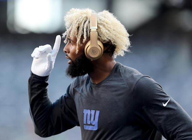 "Wide receiver <a class=""link rapid-noclick-resp"" href=""/nfl/players/27540/"" data-ylk=""slk:Odell Beckham Jr."">Odell Beckham Jr.</a> and the <a class=""link rapid-noclick-resp"" href=""/nfl/teams/nyg"" data-ylk=""slk:New York Giants"">New York Giants</a> are reportedly close to finalizing a ""record-breaking"" new long term deal. (Getty Images)"