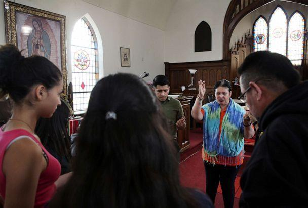 PHOTO: Pastor Jacobita Cortes offers a prayer at Lincoln United Methodist Church in Chicago, May 15, 2019, for Marlen Ochoa-Uriostegui, a pregnant teen who was reported missing on April 23, 2019. (Terrence Antonio James/AP)