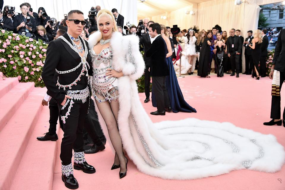 """<h1 class=""""title"""">Jeremy Scott and Gwen Stefani with Christian Louboutin shoes and Effy Jewelry</h1><cite class=""""credit"""">Photo: Getty Images</cite>"""