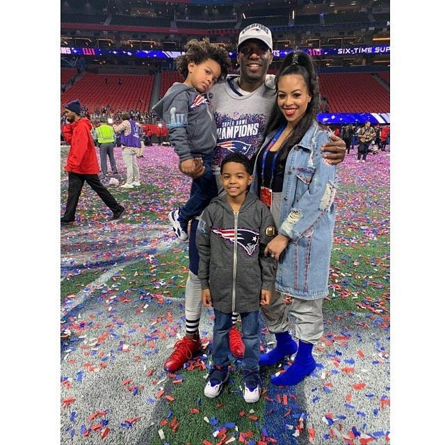 <p>Duron Harmon and his family pose for a photo after the Super Bowl. (Instagram/j_adorechrisss) </p>