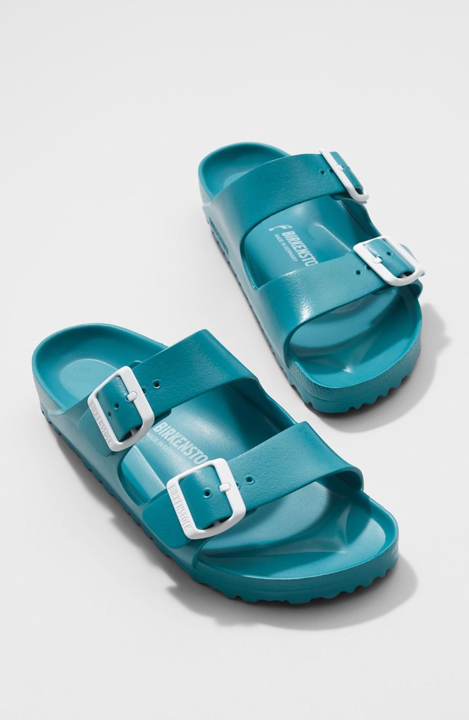 """<p><strong>BIRKENSTOCK</strong></p><p>nordstrom.com</p><p><strong>$44.95</strong></p><p><a href=""""https://go.redirectingat.com?id=74968X1596630&url=https%3A%2F%2Fwww.nordstrom.com%2Fs%2Fbirkenstock-essentials-arizona-waterproof-slide-sandal-women-nordstrom-exclusive%2F4152948&sref=https%3A%2F%2Fwww.countryliving.com%2Fshopping%2Fgifts%2Fnews%2Fg4859%2Fbest-friend-gifts%2F"""" rel=""""nofollow noopener"""" target=""""_blank"""" data-ylk=""""slk:Shop Now"""" class=""""link rapid-noclick-resp"""">Shop Now</a></p><p>These waterproof Birkenstock sandals are perfect for summer and half the price of the leather option. </p>"""