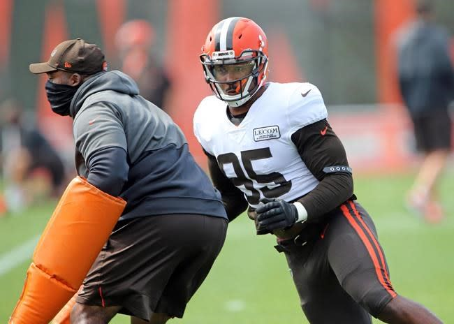 On edge: Browns' Garrett returns after NFL suspension
