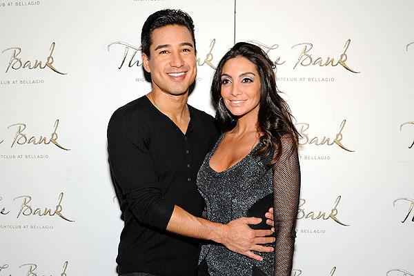 Who Is Mario Lopez S New Wife Courtney Mazza