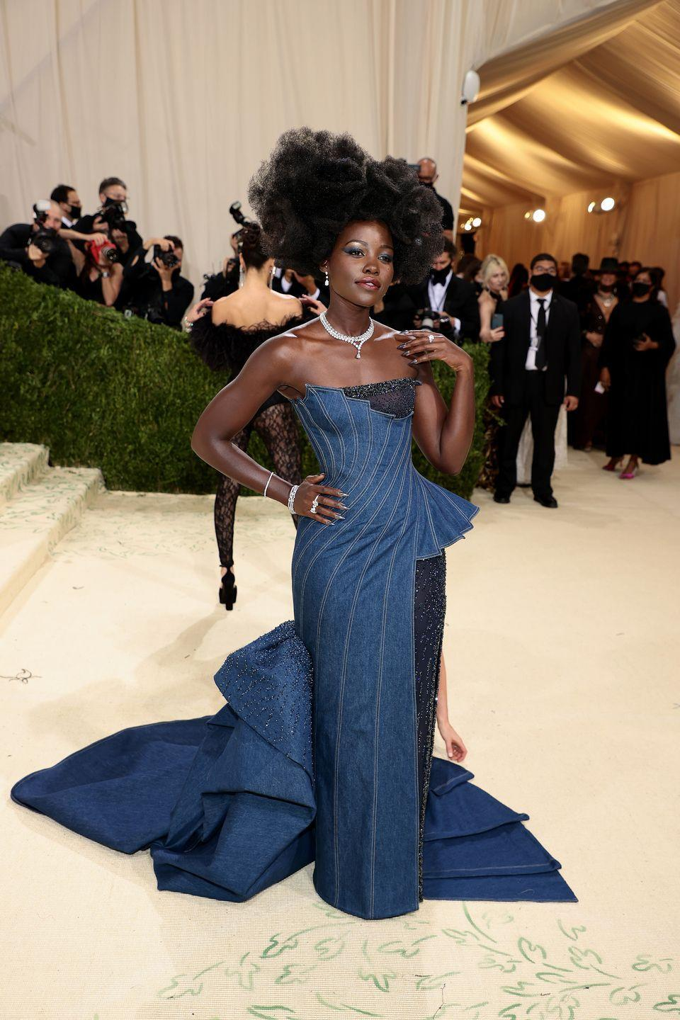 <p>Oscar winner Lupita Nyong'o wore Atelier Versace at the event. </p>