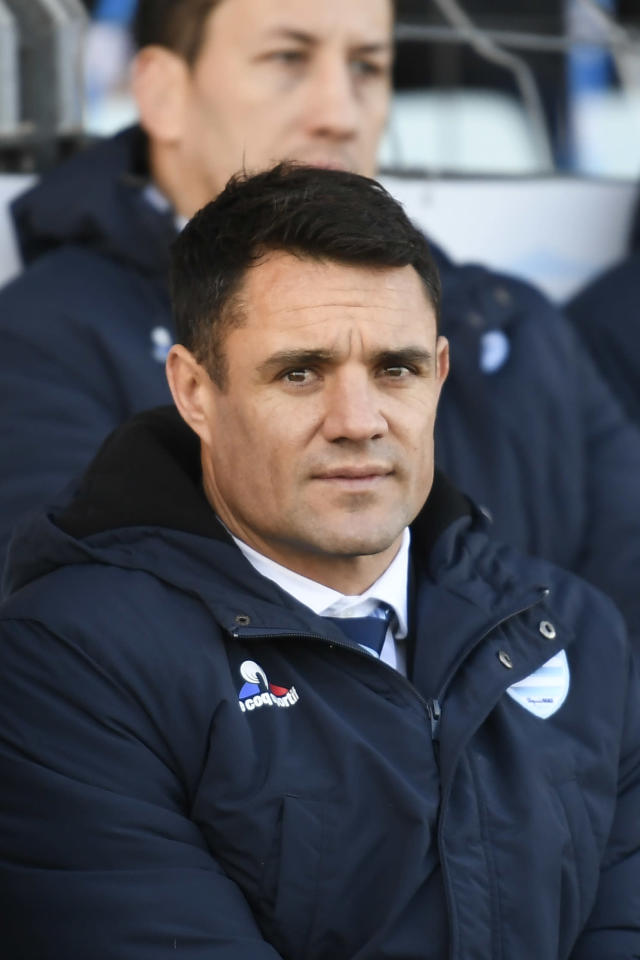 Racing 92's New Zealand fly-half Dan Carter watches the French Top 14 rugby union match between Racing 92 and Montpellier at the Yves du Manoir Stadium in Colombes on the outskirts of Paris, on November 26, 2017. (AFP Photo/Lionel BONAVENTURE)