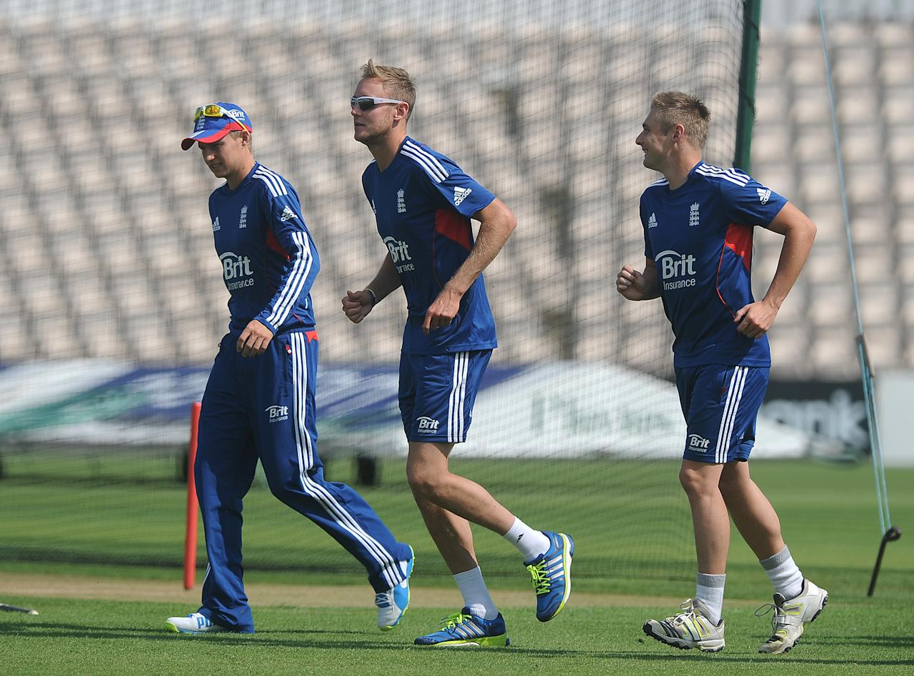 SOUTHAMPTON, ENGLAND - AUGUST 27: (L-R) Joe Root, Stuart Broad and Luke Wright of England warm up during the England Nets Session at The Ageas Bowl on August 27, 2013 in Southampton, England. (Photo by Charlie Crowhurst/Getty Images)