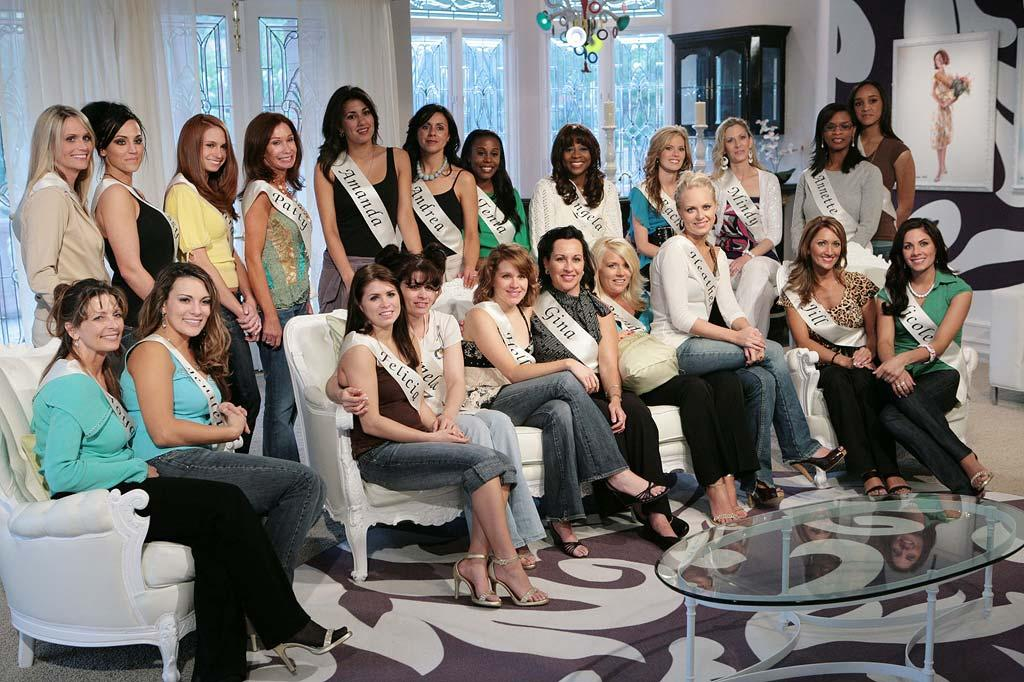 """<a href=""""/crowned-the-mother-of-all-pageants/show/41241"""">Crowned</a>, airing on The CW."""