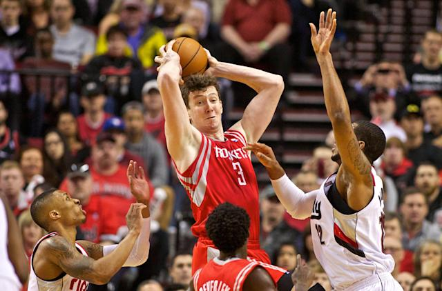 Sources: Rockets trade Omer Asik to Pelicans