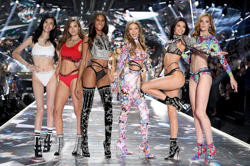 NEW YORK, NY - NOVEMBER 08: Ming Xi, Grace Elizabeth, Cindy Bruna, Gigi Hadid, Kendall Jenner, and Alexina Graham walk the runway during the 2018 Victoria's Secret Fashion Show at Pier 94 on November 8, 2018 in New York City. (Photo by Dimitrios Kambouris/Getty Images for Victoria's Secret)