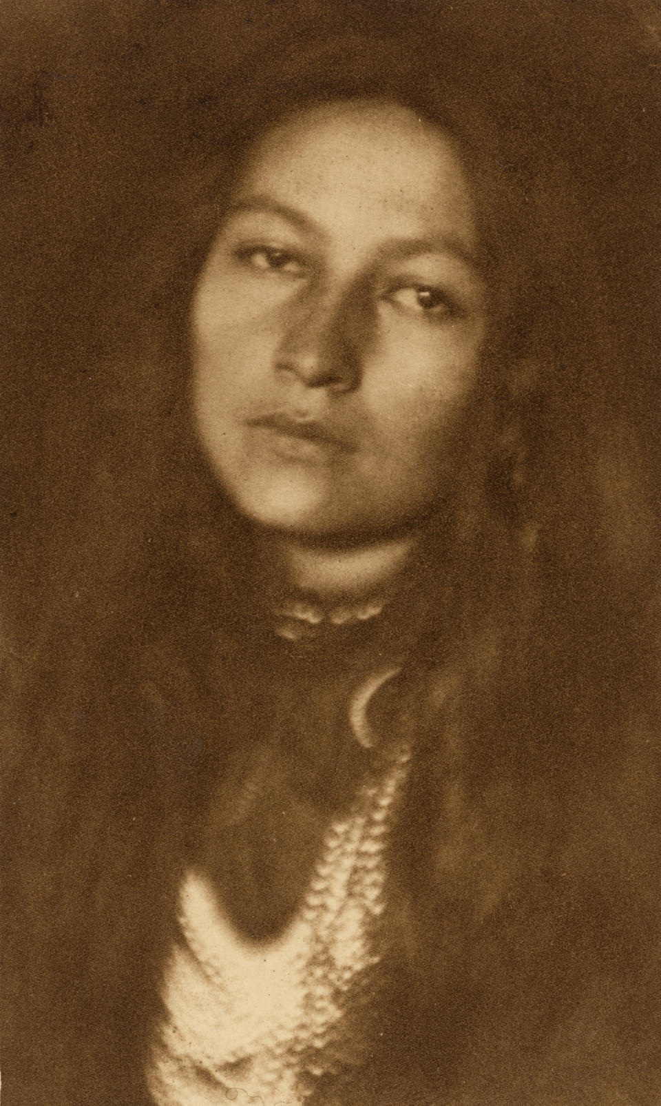 """""""Zitkala-sa"""" by Joseph T. Keiley, 1898 (printed 1901).<span class=""""copyright"""">National Portrait Gallery, Smithsonian Institution</span>"""