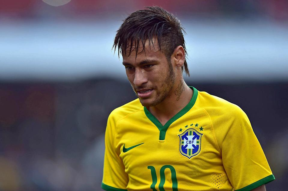 Brazil's Neymar plays during a friendly match against Serbia in Brazil on June 06 2014 (AFP Photo/Nelson Almeida)