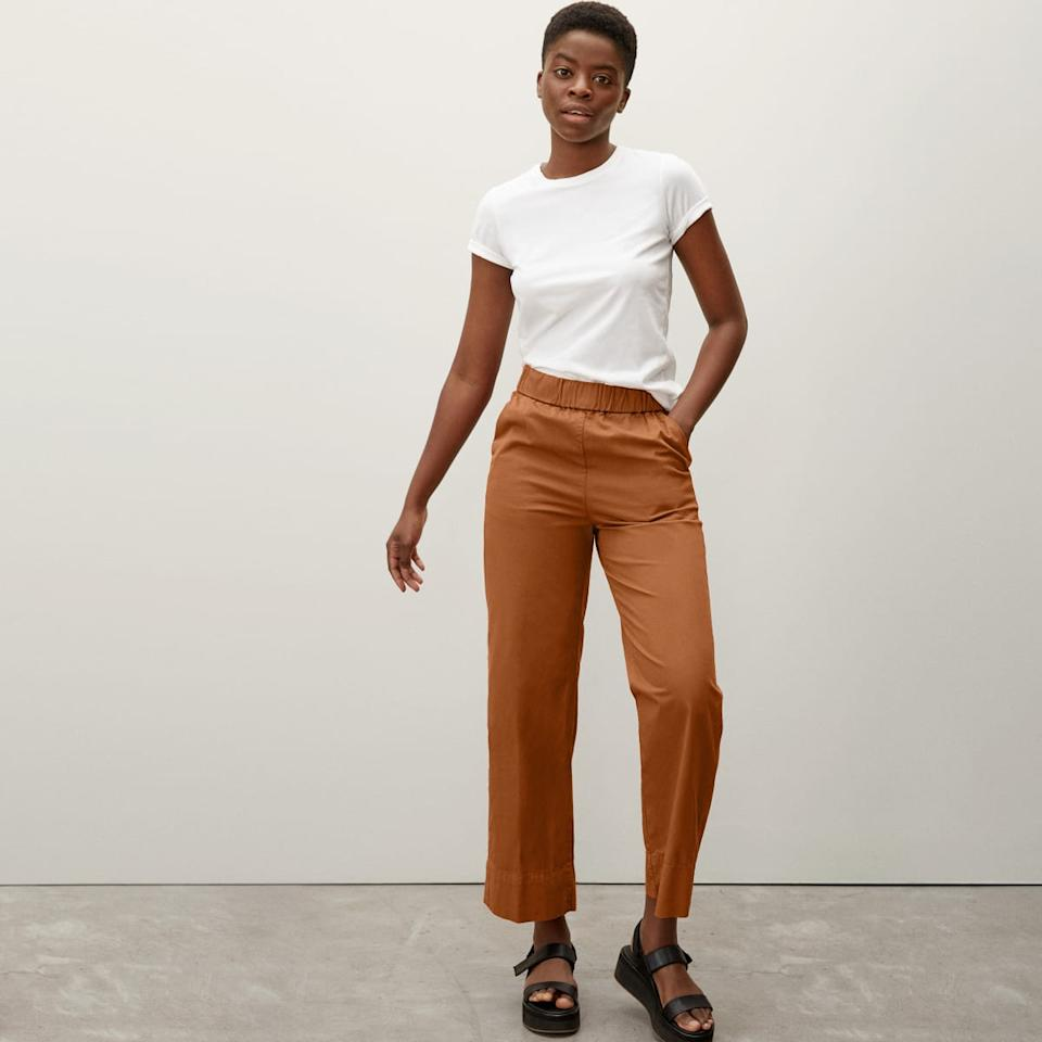 The Easy Pant in Honey. Image via Everlane.