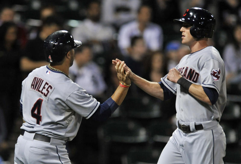 Indians rout White Sox 14-3