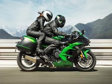 Auto Expo 2018: Kawasaki launches Ninja H2 SX, H2 SX SE with prices starting from Rs 21.80 lakh