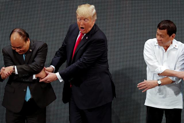 Trump participates in the opening ceremony of the ASEAN Summit in Manila, Philippines November 13, 2017. (Jonathan Ernst / Reuters)