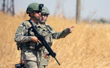 Turkish military enters Syria to begin joint U S  'safe zone
