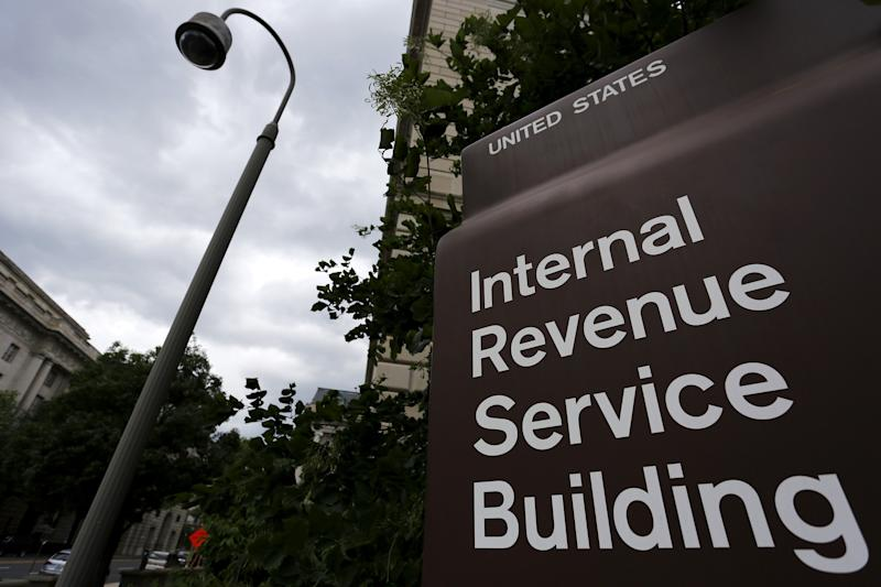 IRS Holds Off on New W-4 Form