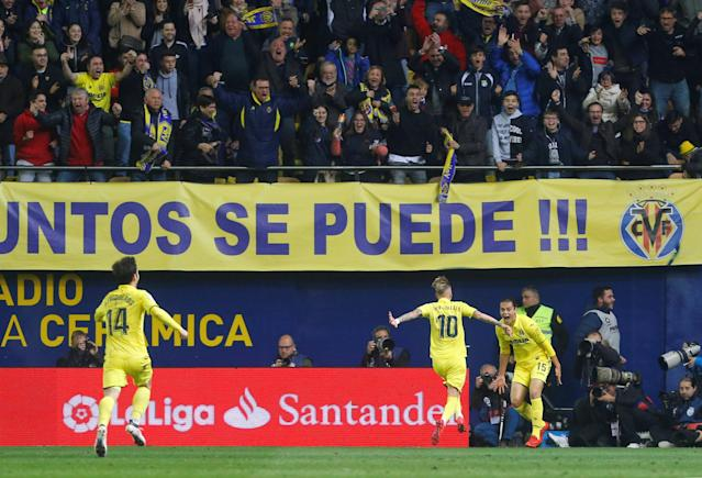 Soccer Football - La Liga Santander - Villarreal vs Atletico Madrid - Estadio de la Ceramica, Villarreal, Spain - March 18, 2018 Villarreal's Enes Unal celebrates scoring their second goal REUTERS/Heino Kalis