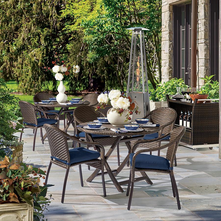cafe 5-piece curved table and chairs