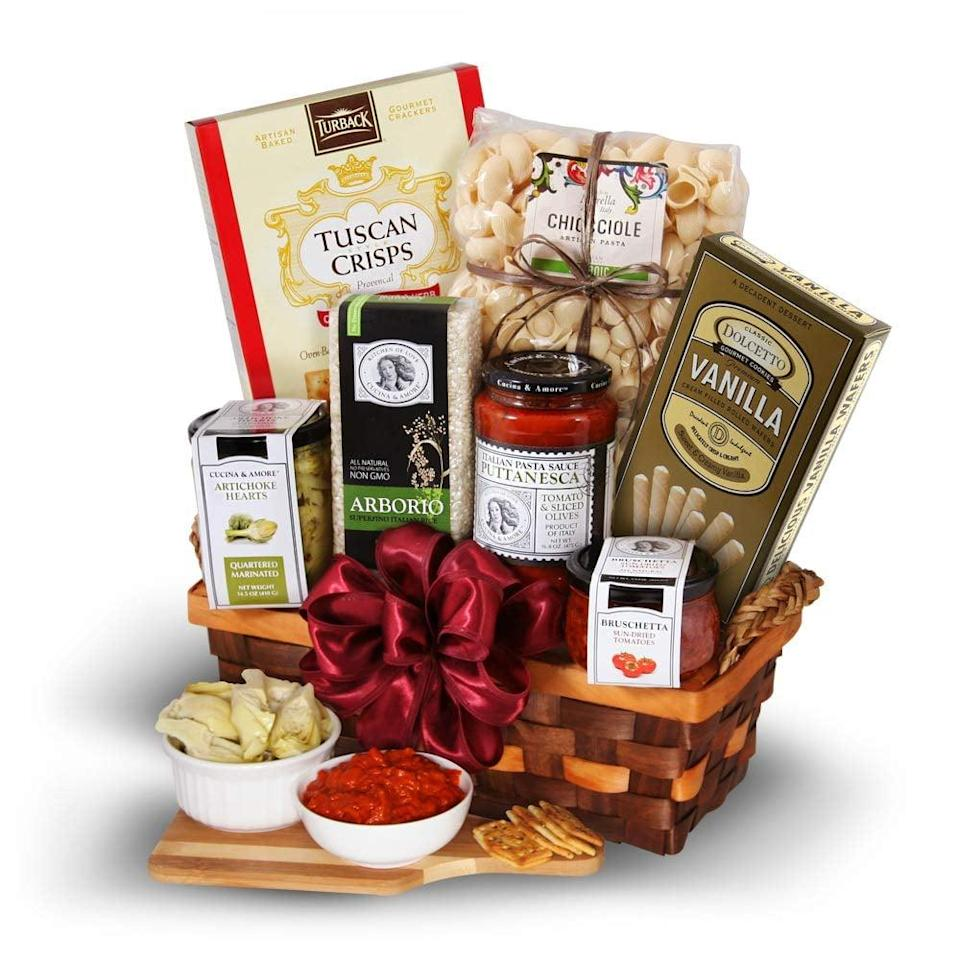 <p>This <span>Table In Tuscany - Italian Gift Basket</span> ($95) will make anyone's night.</p>