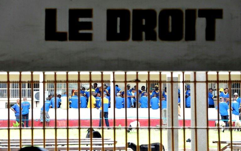 Nearly 70 prisoners flee in second DR Congo jail break
